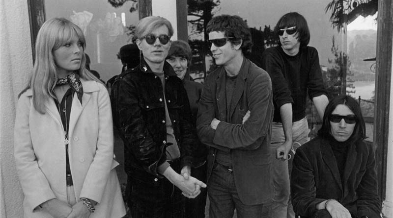 Le Velvet Underground et Nico avec Andy Warhol Hollywood Hills 1966© Gerard Malanga Courtesy Galerie