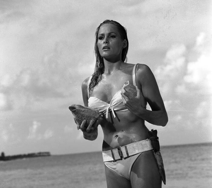 Ursula Andress - James Bond Dr No